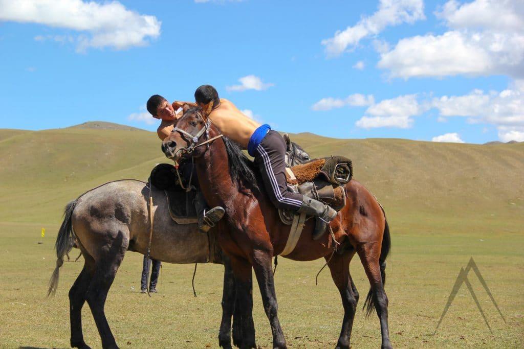 Oodarys or Er Enish is wrestling on horseback