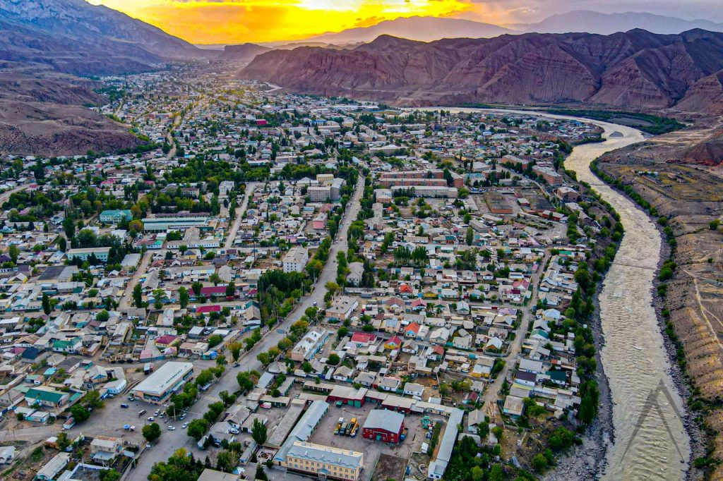 Naryn river flowing through the Naryn town