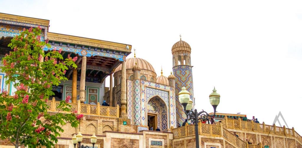 Hazrati Khizr mosque and tomb of president Karimov in Samarkand, Uzbekistan